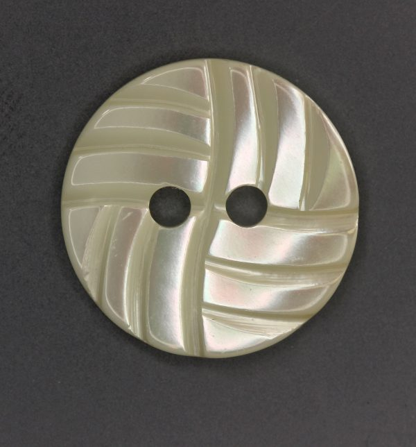 LWP1179 MOP button with wave design